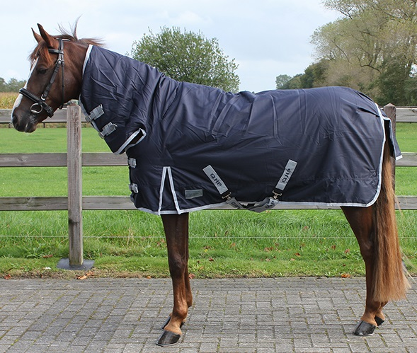 Blanket Waterproof 300 grams with neck