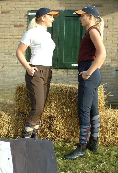 Breeches with high waist and snap pockets